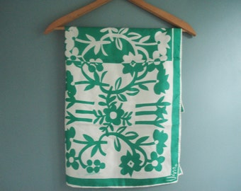 Charming scarf by Vera Neumann -- green and white