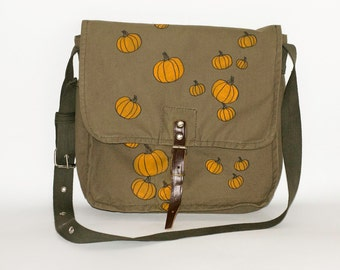 Halloween Vintage Hand Painted Military Bag Green Cotton Canvas Messenger Bag with Pumpkins