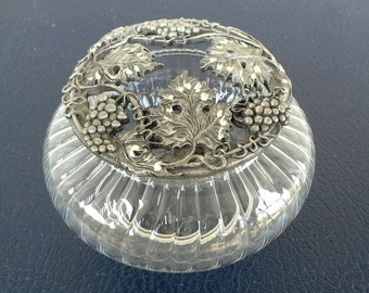 Vanity dish with beautiful cut metal lid with a silver finish,  french cottage look, lovely leaf and vine detailing on the top