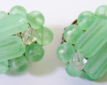 Vintage Mid Century Mint Julep Green Clip Earrings Retro