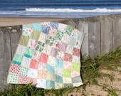 Patchwork Quilt, Traditional Design with Modern Fabrics. Lap quilt, Sofa Throw, Car blanket