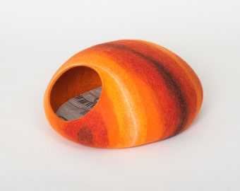 Cat bed/cat cave/cat house/orange felted cat cave (With GIFT pad)