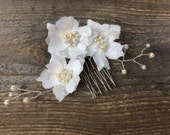 Piper #308 Three silk flowers attached to a metal comb with pearl wired branches