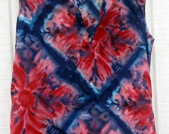 Vintage 70s Womans Tie Dye Shirt Top Blue Red Sears Medium Sleeveless