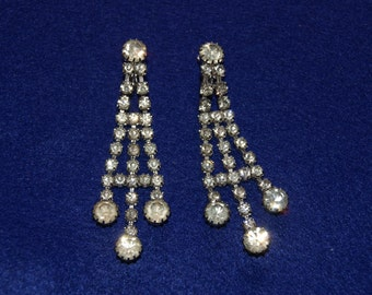 Vintage 1950s Sarah Coventry Rhinestone Chandelier Dressy Clip On Earrings Great For Formal Dance Or Prom