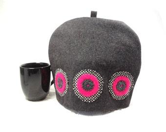 Wool tea cozy Dark gray Hot pink Melton cloth teacosy Penny applique Black hounds tooth Modern tea pot cozy Medium size Eco friendly