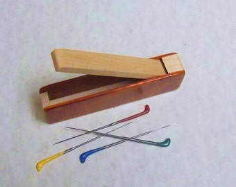 Felting Needles and case, needles in rainbow colours coded for size, 32, 36, 38, 40, rubber tipped for comfort