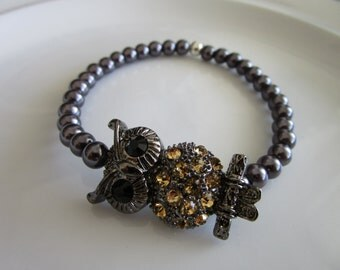 Gun metal grey tone gold bejeweled owl charm elastic bracelet with grey pearl beads - birthday gift - owl bracelet - owl charm bracelet, owl