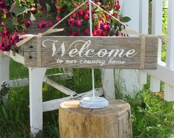Welcome Sign - Reclaimed Wood Sign - Country Wood Sign - Rustic Sign - Hand Painted Sign - Pallet Sign - Welcome Signs - Welcome Door Decor