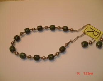 Dk Green Necklace Set