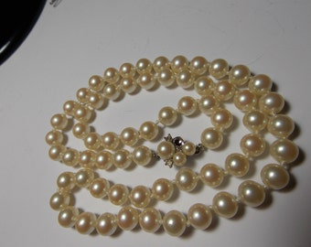Vintage Knotted Faux Pearl Necklace