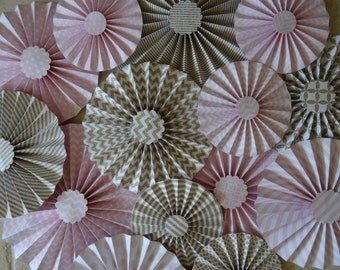 "Set of 15 DIY Large 12"" / 9"" / 6"" Paper Rosettes/Fans - Light Pink and Gold"