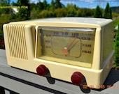 BLUETOOTH MP3 READY - Antique Ivory Mid Century Retro Vintage 1950 Generel Electric Model 401 AM Tube Radio Totally Restored!