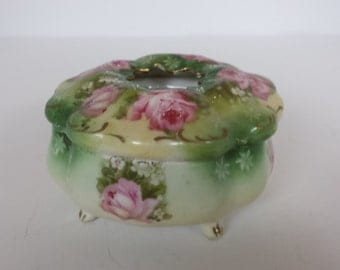 Gorgeous Rose Decorated Hair Receiver