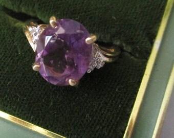 Vintage Retro 10 Kt. Gold Amethyst Ring - Size 7 - Birthstone for February - -  Estate find!