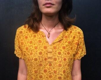 SALE / Vintage yellow orange floral v neck split neck loose fitting ethnic indian style shirt size xs sm medium