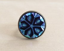 Iridescent Blue Pinwheel Ring - 18mm Etched Czech Glass Cabochon, Snowflake Design, Color-Changing, Black, Antique Bronze Adjustable Band