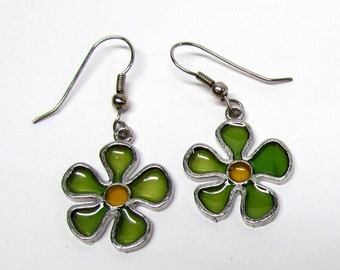 Vintage Pair of Flower Dangle Earrings - Costume Jewelry - Collectible Jewelry
