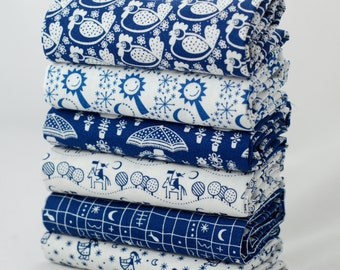 Fat quarter fabric bundle - 100% cotton - blue and white cute chicken fabric