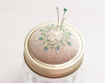 Pin cushion jar pincushion needle cushion