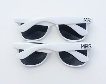 Mr and Mrs Sunglasses, Wedding Sunglasses, Honeymoon Gift, Custom Sunglasses, Bride and Groom Sunglasses, Personalized Sunglasses, Wayfarer