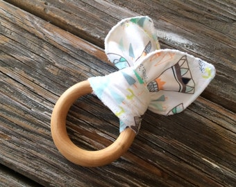 Natural Maple Wood/Ear/Teething/Teether/Ring/Toy/Chew ~ Indian//Woodland//Pine//TeePee//Mint//Native//Tribal