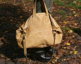 Large leather bag in camel