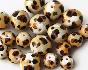 Leopard Print Beads, Handmade Beads, Ceramic Beads, African Beads, Round beads, beads from South Africa, made in South Africa, leopard print