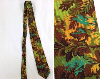Vintage Green and Yellow Fauna Plant Motif Cotton Tie