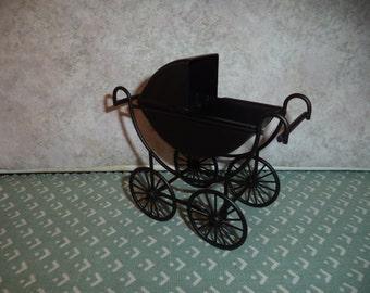 1:12 scale dollhouse miniature Stroller/Pram