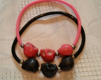 Skull Stretch Bracelet in pink and black