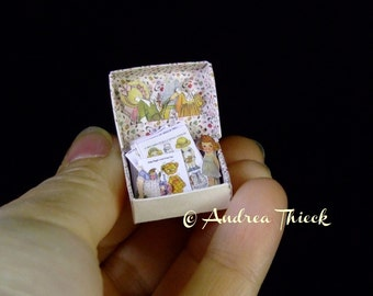Miniatures Box with Dolly Dingle Paper Dolls - 1:12 scale