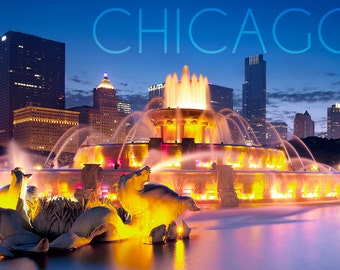 Chicago, Illinois - Buckingham Fountain (Art Prints available in multiple sizes)