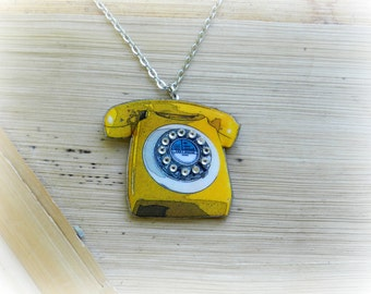 Vintage Yellow Telephone Necklace//Pin Up//Rockabilly//Retro