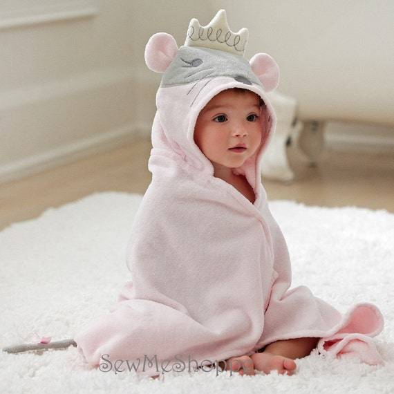Personalized Hooded Towel/Princess Mouse / Bath Wrap / Infant