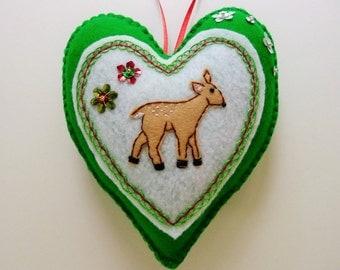 Felt Fawn Heart Ornament / Deer Woodland Christmas Ornament / Doorknob Hanger / Doorknob Pillow / Winter Decor / Winter Woodland Decor