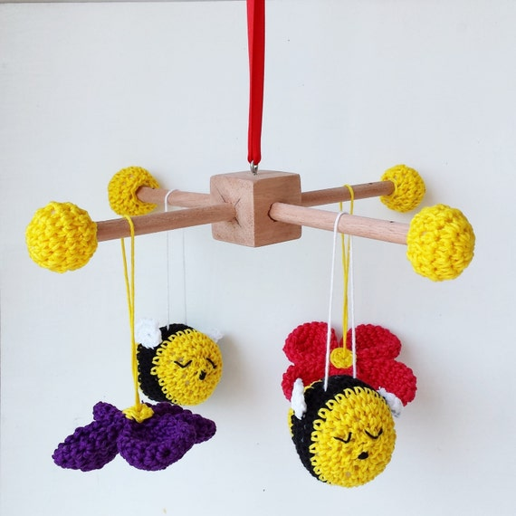 Items similar to Amigurumi bees and flowers crochet baby ...