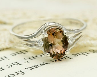 Oregon Sunstone in Sterling Silver Ring, Style VL