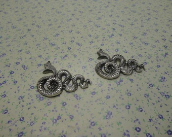 8 pcs of antique silver color metal snake pendant charm , 45*36mm , MP667