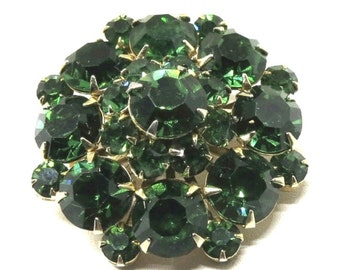 Green Rhinestone Brooch - Vintage, Juliana Style, Gold Tone, Emerald Green, Faceted Rhinestone Pin