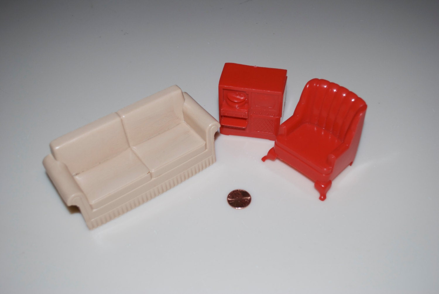 Marx Living Room Plastic Dollhouse Furniture Tan Sofa Couch Red Chair Stereo Radio Console