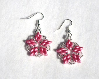 drop earrings, dangle earrings, petite earrings, hand made earrings, seed bead earrings