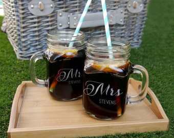 Mr And Mrs Mason Jars, Personalized Glass Mr & Mrs Jars, Couples Gift, Mr and Mrs Drink Jars, Wedding Drink Jars, Mr and Mrs Wedding Gift