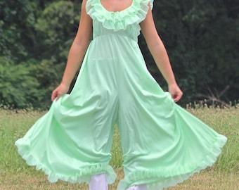 Vintage RARE 1960s Pistachio Green Loungewear/ Nightgown Sz Med
