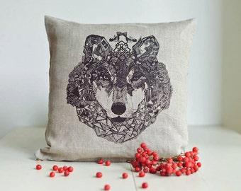 Wolf. Linen pillow 43 x 43 cm
