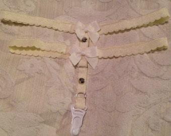 Pastel frill garter