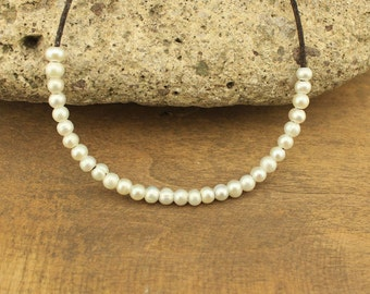 100 pcs pearls,white pearl,5-6 mm freshwater pearl,2.5 mm hole,necklace supply,necklace,potato pearl,ETS-L0077
