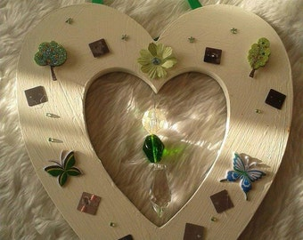 Green & White Wooden Heart