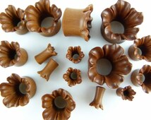 Blooming Flower Tunnel Plugs - Ear Stretchers - one pair - Stretch your ears - Carved Ear Tunnel stretcher Stylish plugs (4mm - 18mm) - PA14