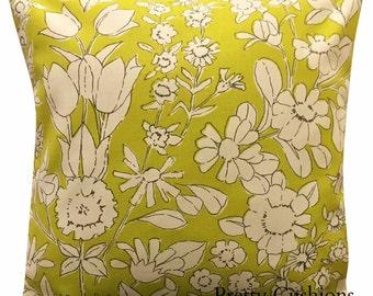 Pretty Summer Daisy Chain Retro Lime Green Cushion Cover